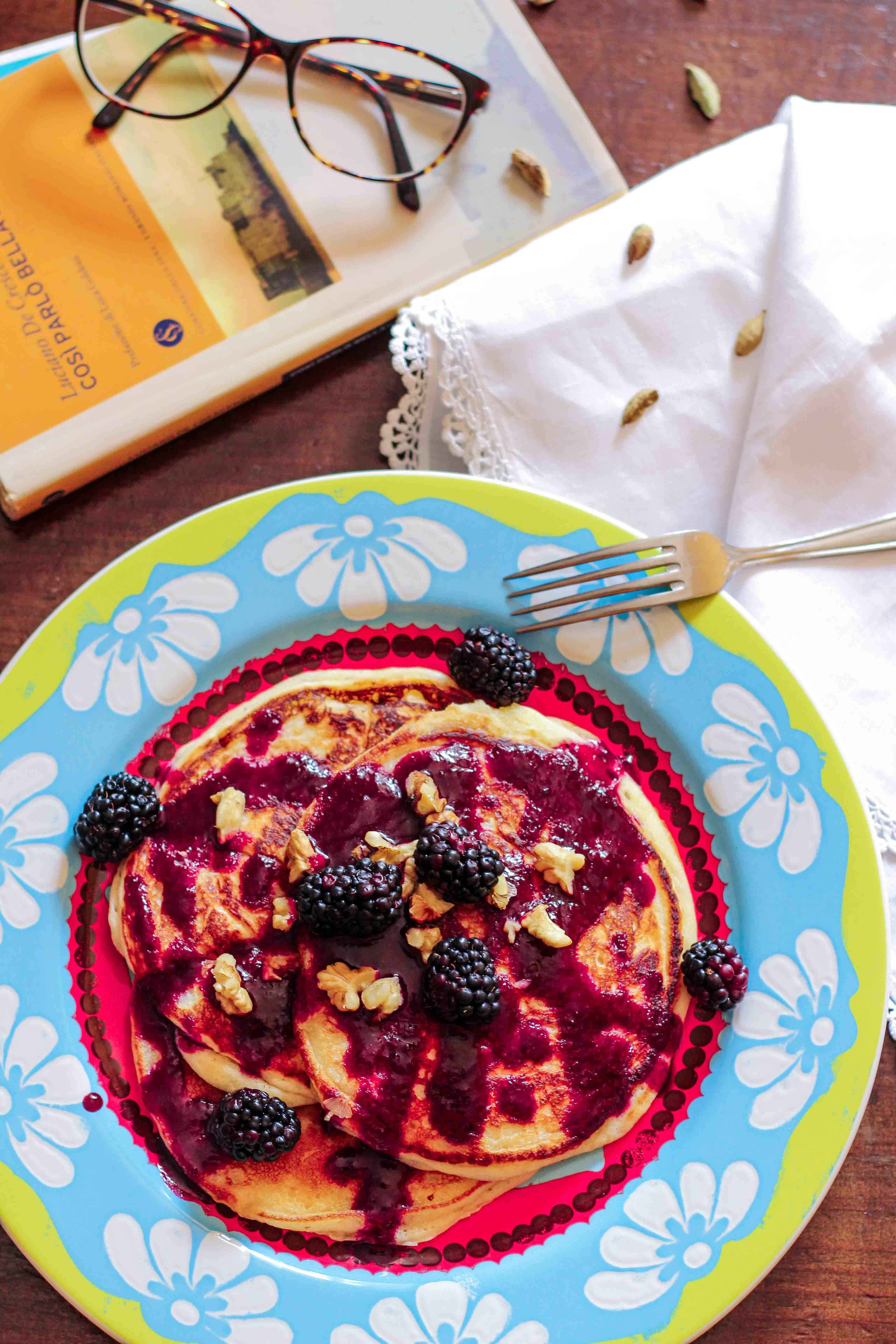 pancake con sciroppo di more