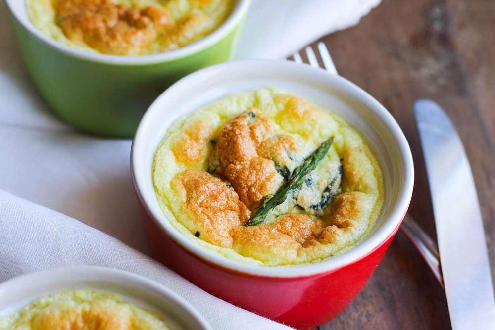 soufflè parmigiano e asparagi