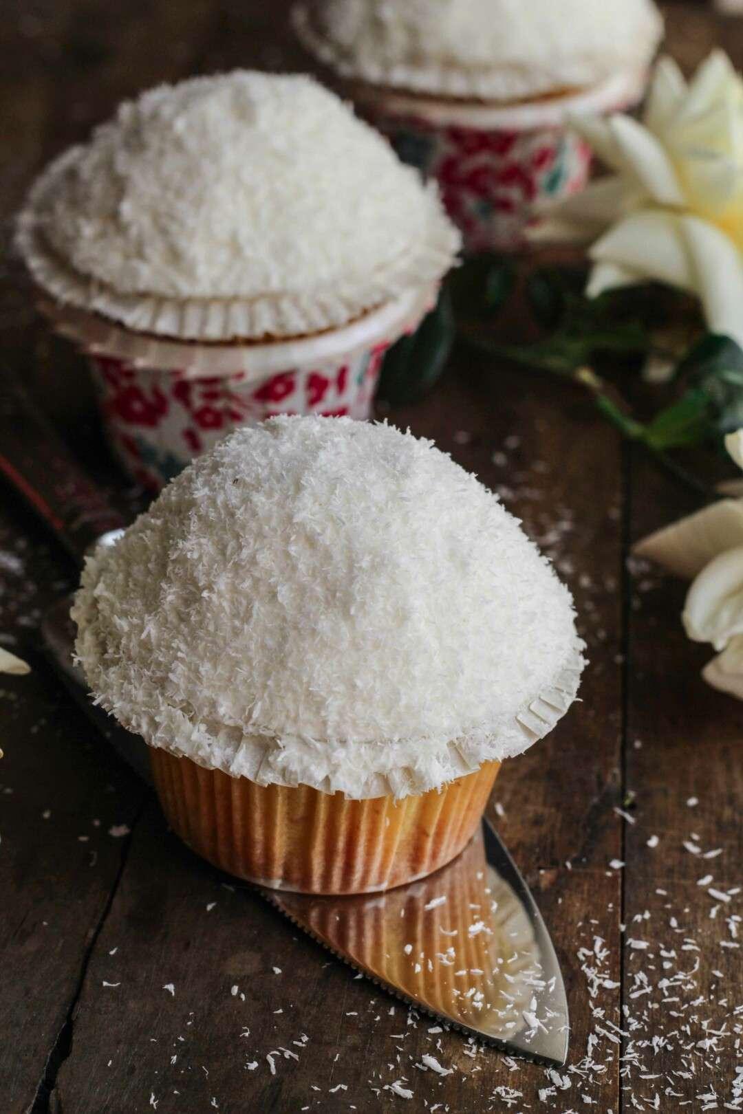 coconut lemon cupcakes