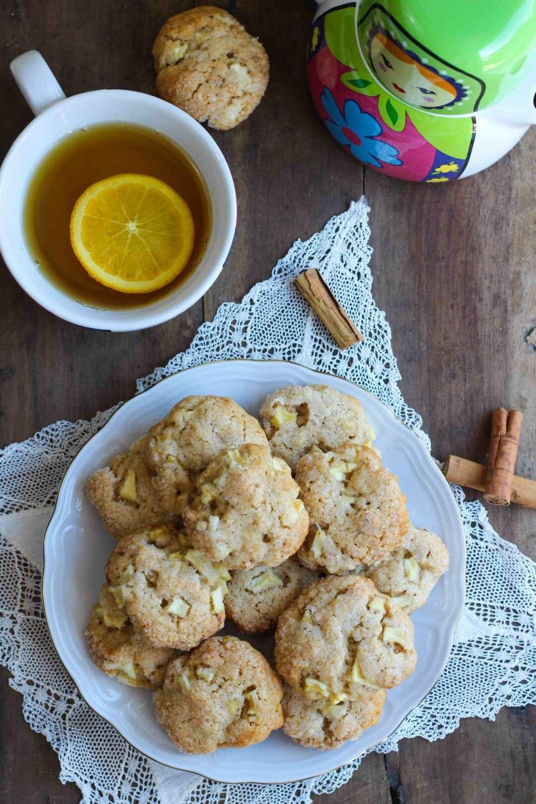 ricetta per i cookies alla mela, cannella e nocciole