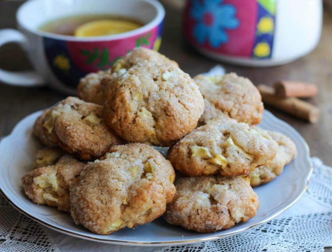 Dolci Da Credenza Biscotti Alle Nocciole : Cookies mela cannella e nocciole unamericanatragliorsi
