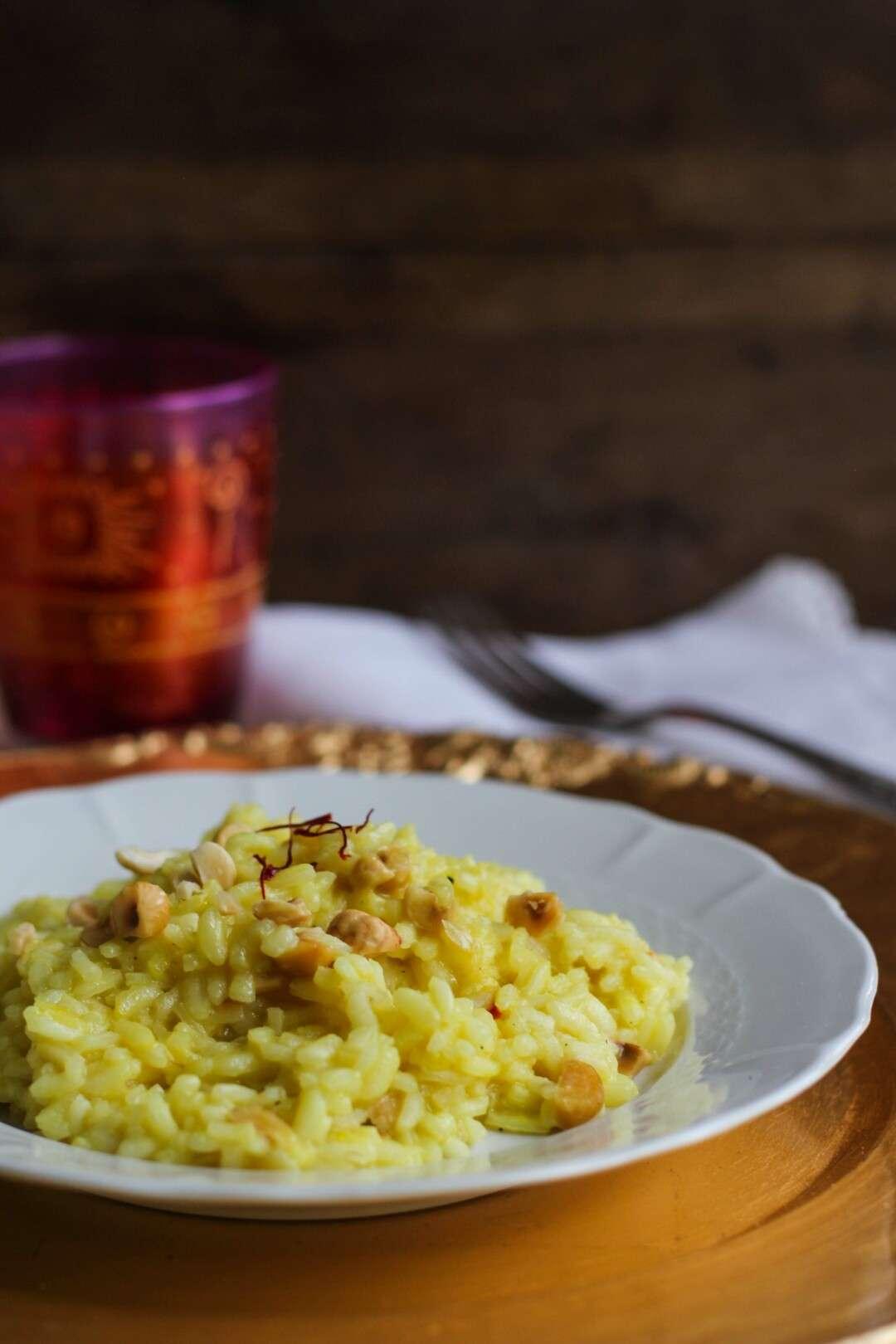 La ricetta del risotto con zafferano e nocciole