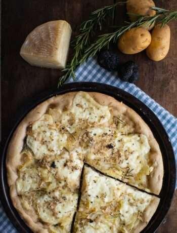 la ricetta della pizza di solina con patate pecorino e tartufo